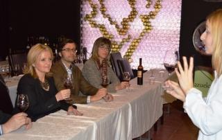 2. Abiertos al vino (54)