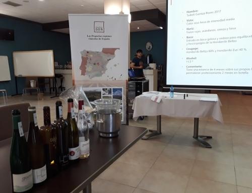 Pequeñas D.O.'s presenta los txakolis vascos a la Asociación de Sumillieres de Asturias