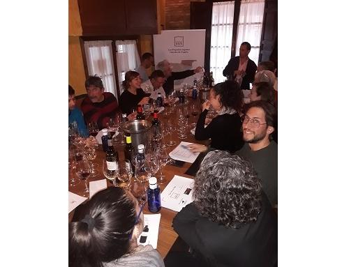 """Pequeñas D.O.'s presenta los """"Vinos de Pago"""" en la Asociación de Sumilleres de Granada"""