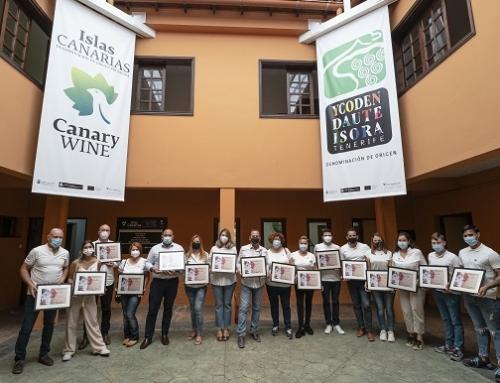 La cuarta promoción de sumilleres del Campus del Vino de Canarias recibe sus títulos